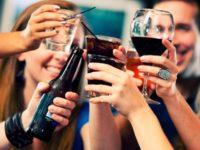 نوشیدن الکل به اعتدال ممکن است احتمال ابتلا به دیابت را 'کم کند'
