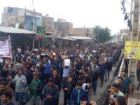معترضان نیشکر هفتتپه و فولاد اهواز در خوزستان تجمع کردند