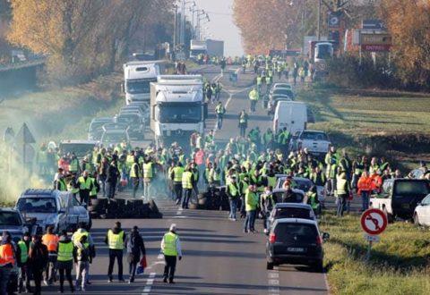 تظاهرات فرانسه و احتمال اعلام وضعیت فوقالعاده